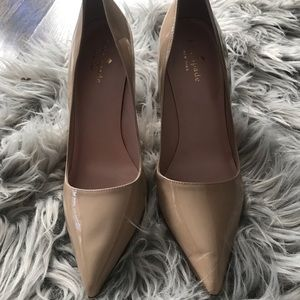 kate spade Shoes - Kate Spade Licorice Patent Leather Nude Pump Sz 7